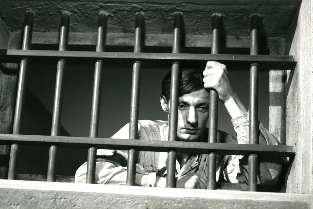 A Man Escaped (1956): Ölüler Evinden Kaçış