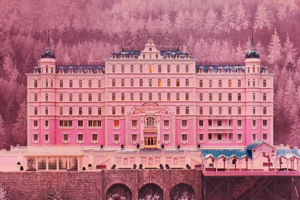 The Grand Budapest Hotel (2014): Pastel Renklerle Donanmış Bir Masal