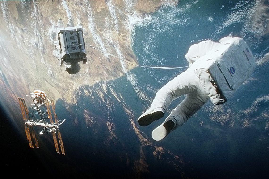Gravity (2013): Hayatta Kalış mı Yeniden Doğuş mu?