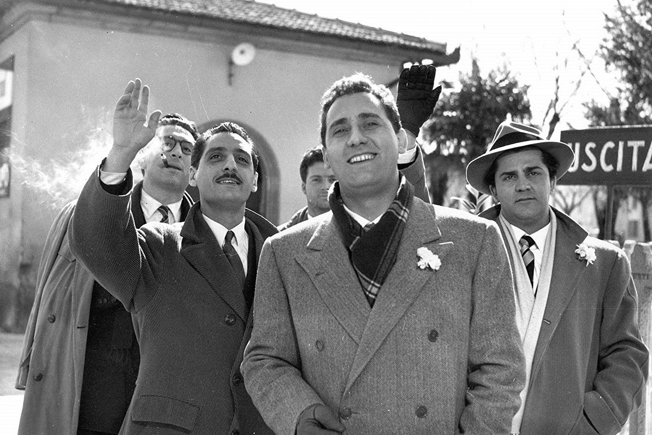 I vitelloni (1953): Hali Yerinde Aklı Havada Olan Beş Adamın Şık Aylaklığı