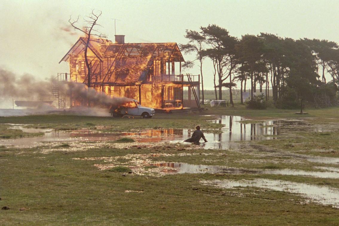Offret (1986): Tarkovski'nin İnsanlığa Ağıtı