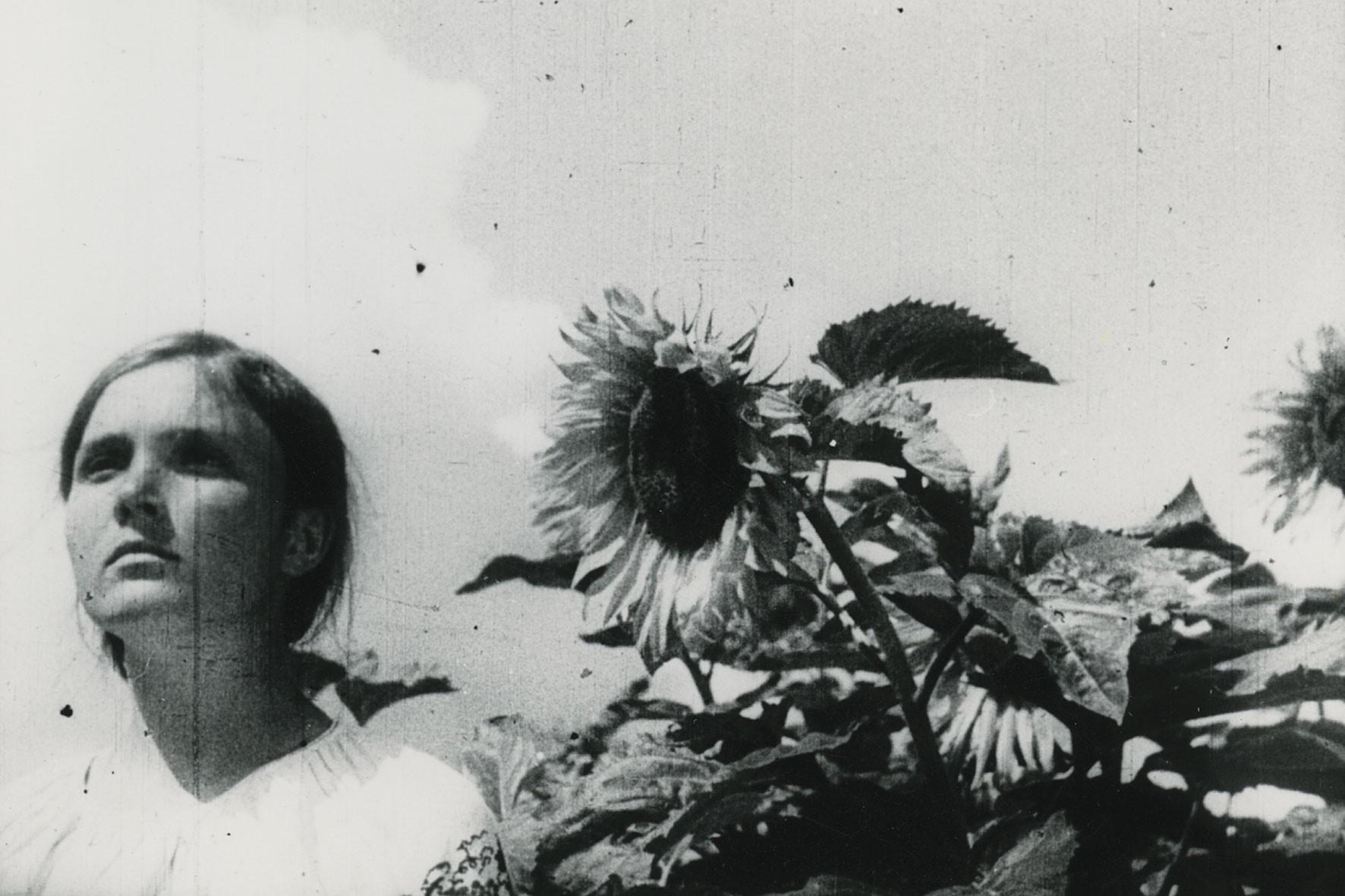 Zemlya (1930): Sessiz Sinemada Politik Şiirselliğin Öncü Filmi